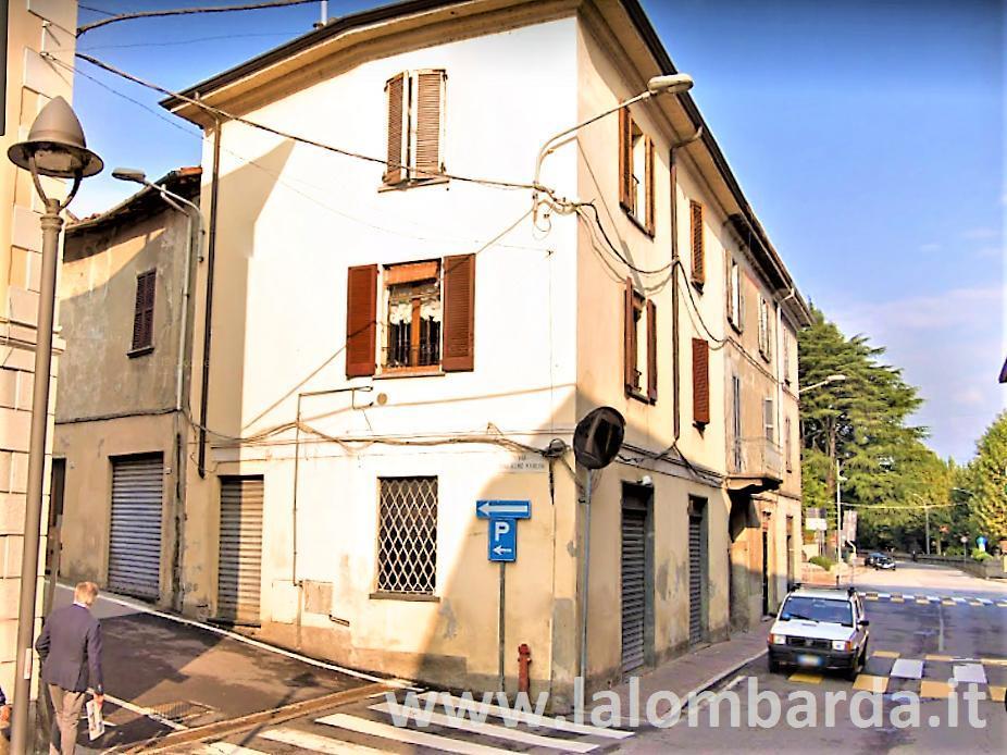 Negozio-locale in Vendita a Olginate: 2 locali, 57 mq
