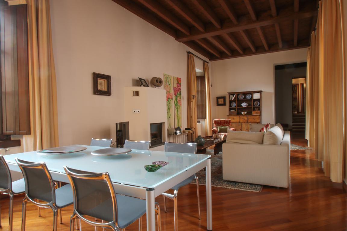 Appartamento in Vendita a Como: 4 locali, 272 mq