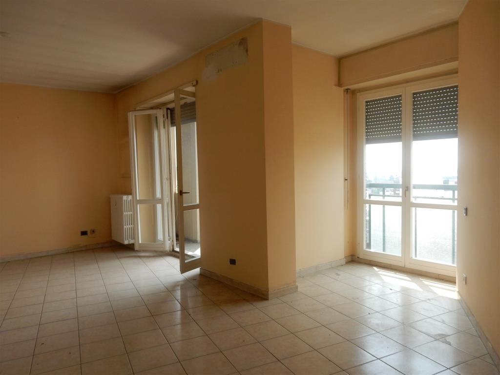 Attico in Affitto a Cesano Boscone: 5 locali, 261 mq