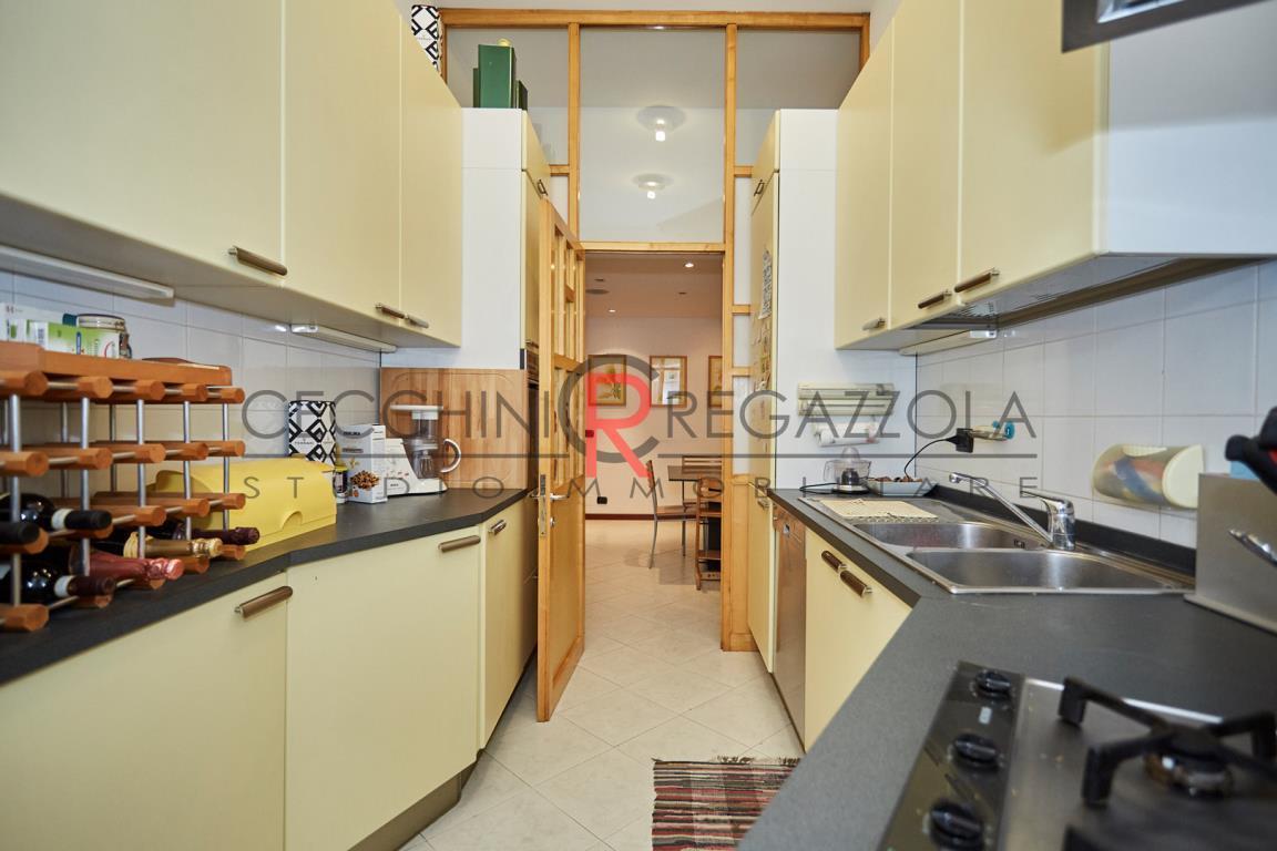 Appartamento in Vendita a Milano: 3 locali, 136 mq - Foto 2