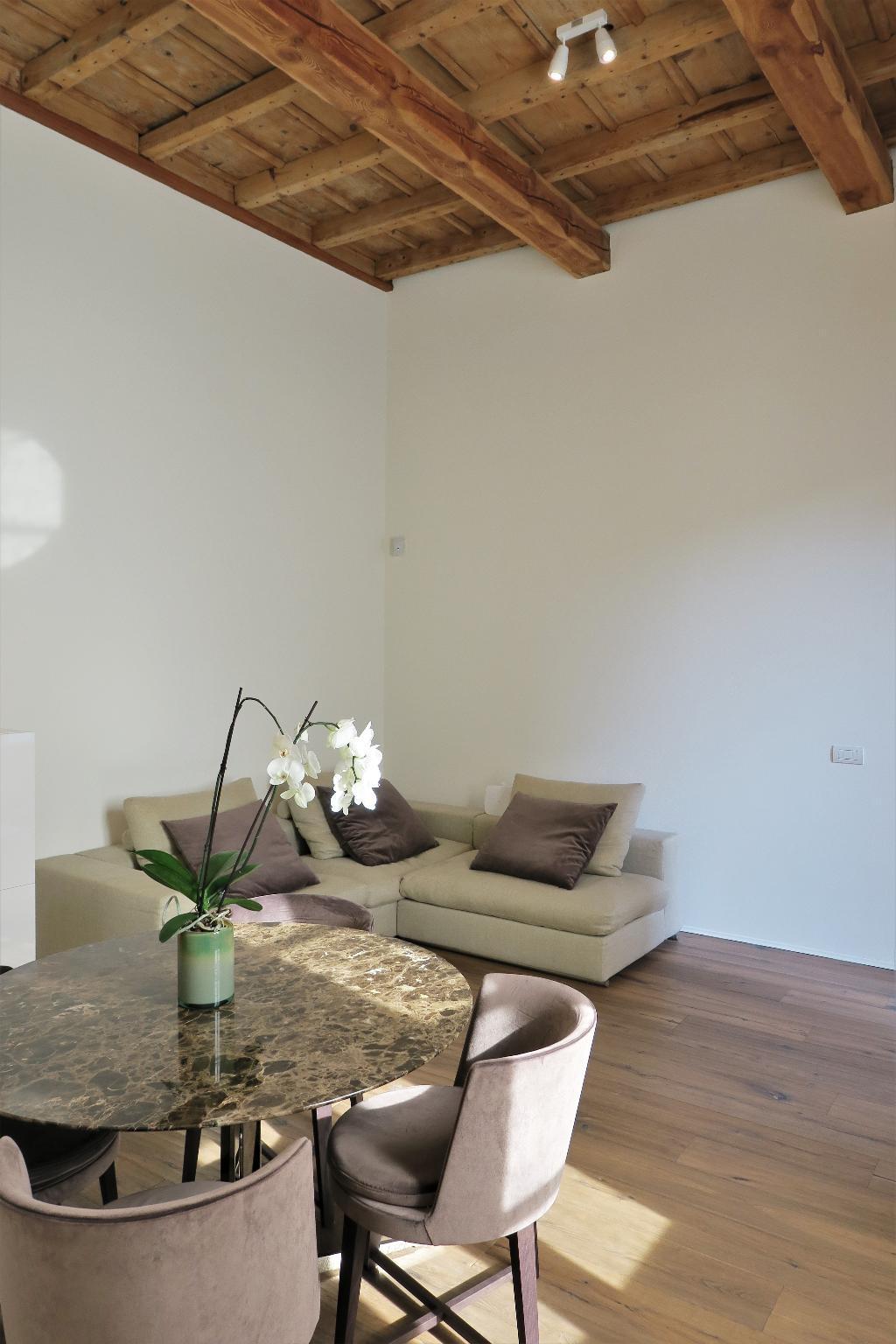 Appartamento in Affitto a Milano 01 Centro storico (Cerchia dei Navigli): 2 locali, 78 mq