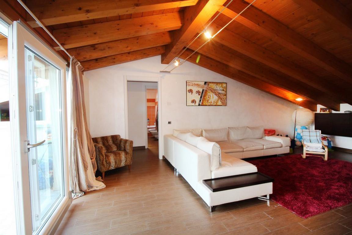 Vendita Trilocale Appartamento Lazzate via milano  103394