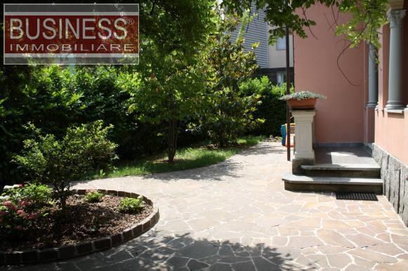 Villa in Vendita a Tortona: 5 locali, 350 mq