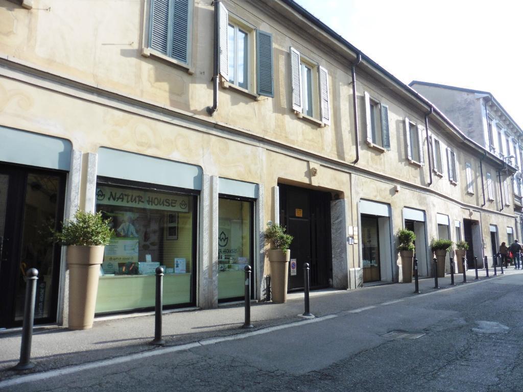 Ufficio-studio in Affitto a Monza: 2 locali, 39 mq