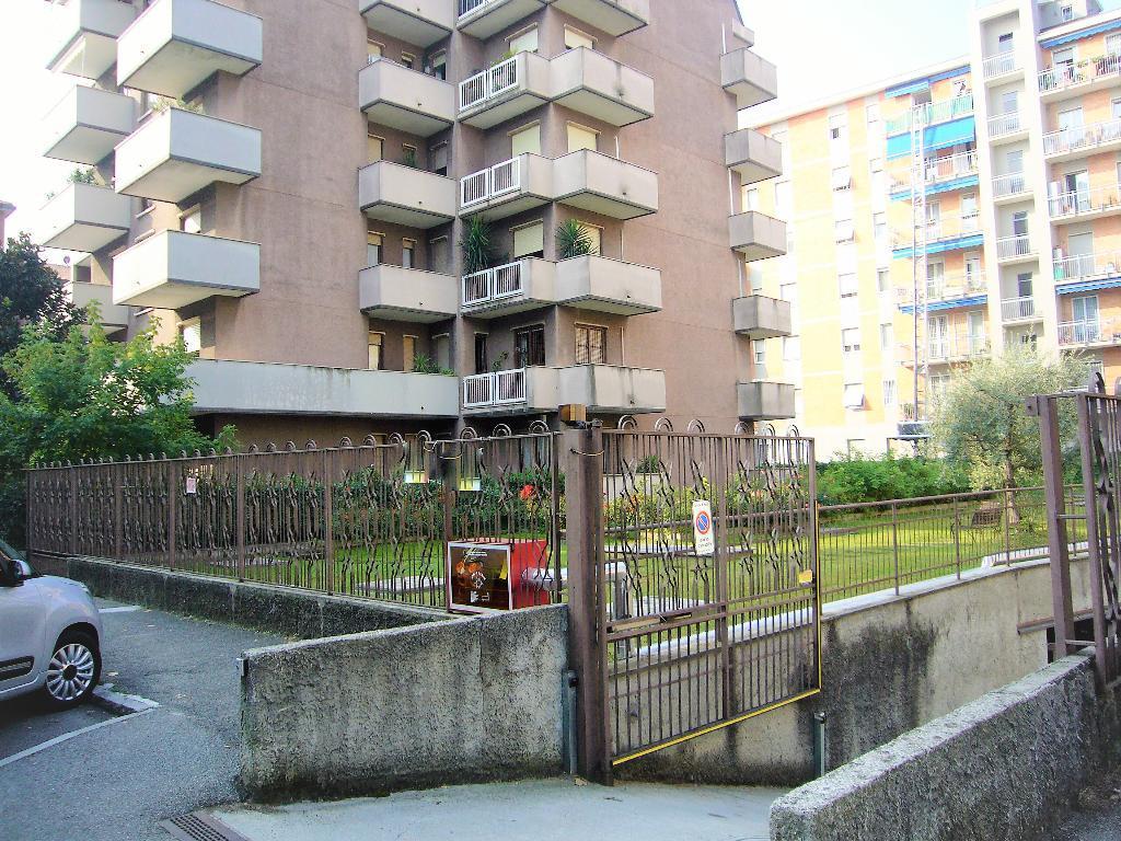 Posto-box auto in Affitto a Monza: 1 locali, 10 mq