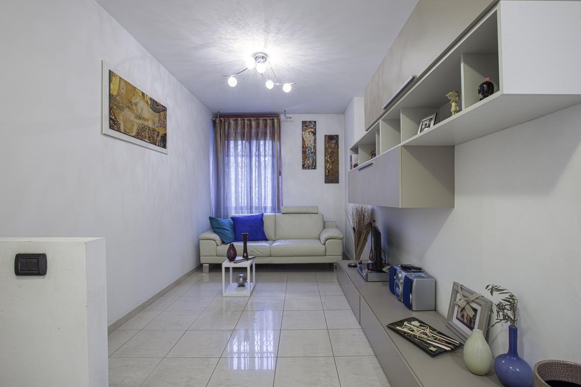 Appartamento in vendita a san donato milanese via di for Arredamenti ballabio san donato milanese