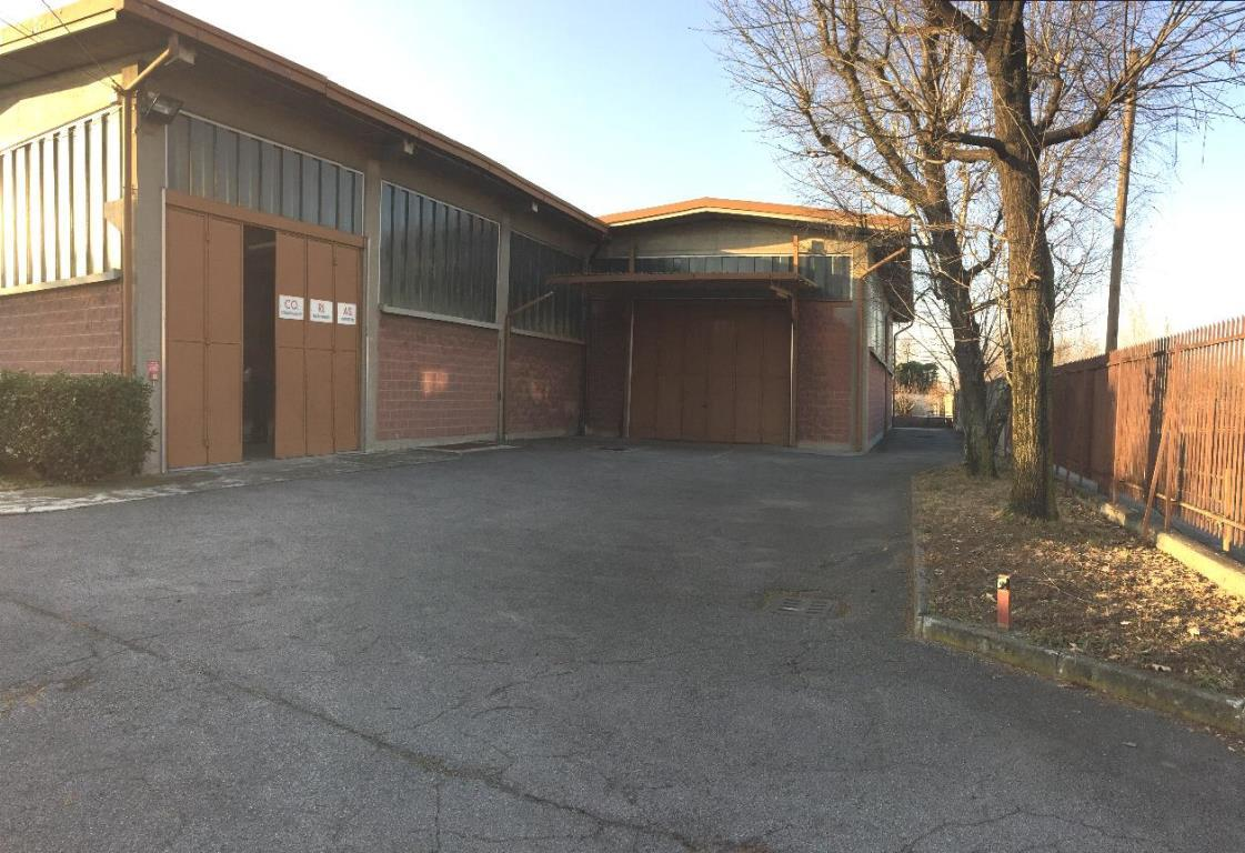 Capannone in Vendita a Monza: 3 locali, 1000 mq