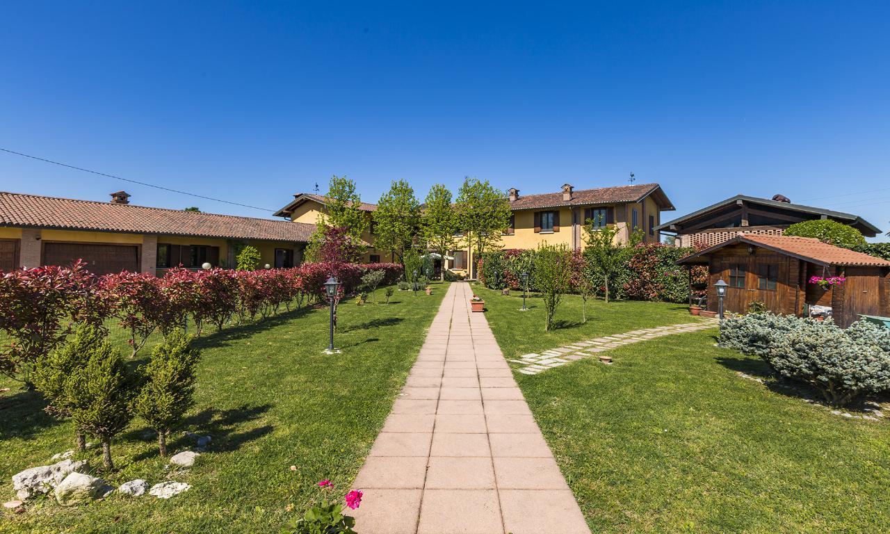 Villa in vendita a san giuliano milanese cascina la folla for Arredamento san giuliano milanese