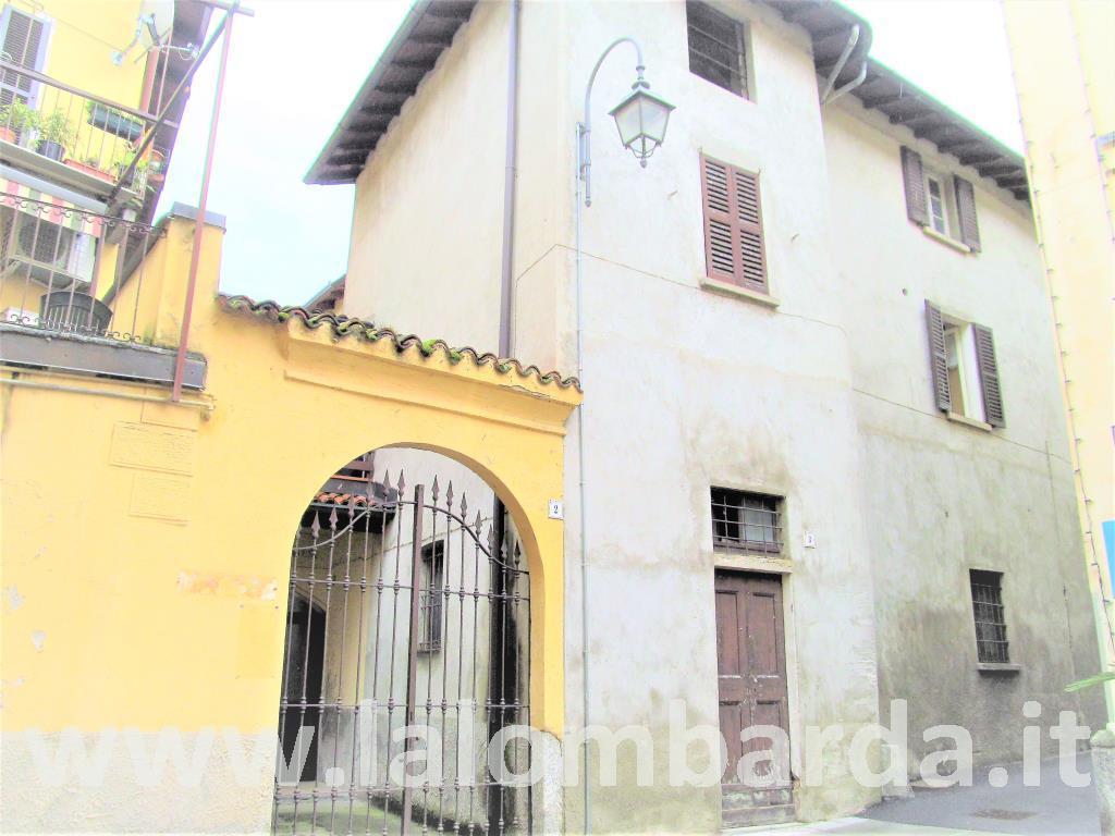 Appartamento in Vendita a Brivio: 3 locali, 150 mq
