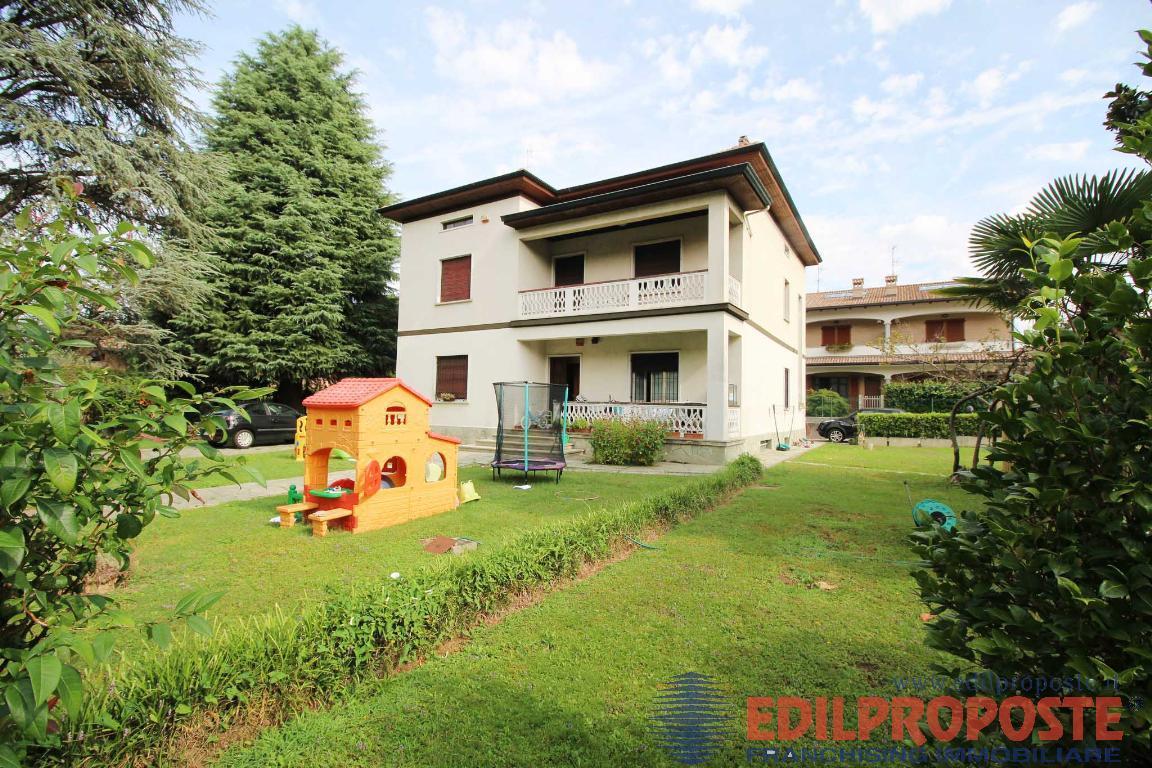 Vendita Villa unifamiliare Casa/Villa Lazzate via Manzoni  227578