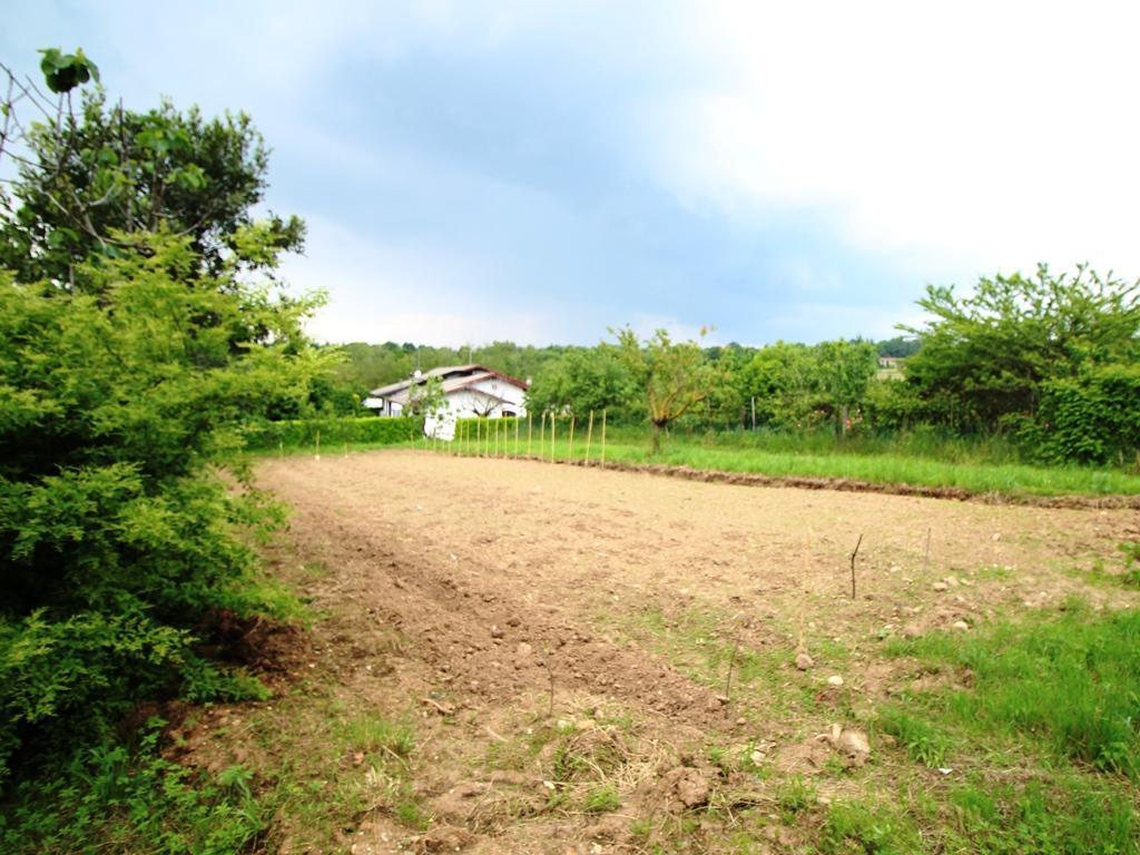 Terreno edificabile in vendita - 900 mq