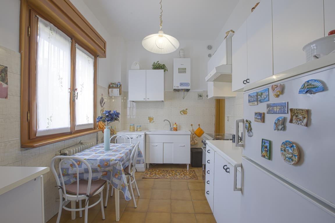 Appartamento in Vendita a San Giuliano Milanese: 4 locali, 130 mq