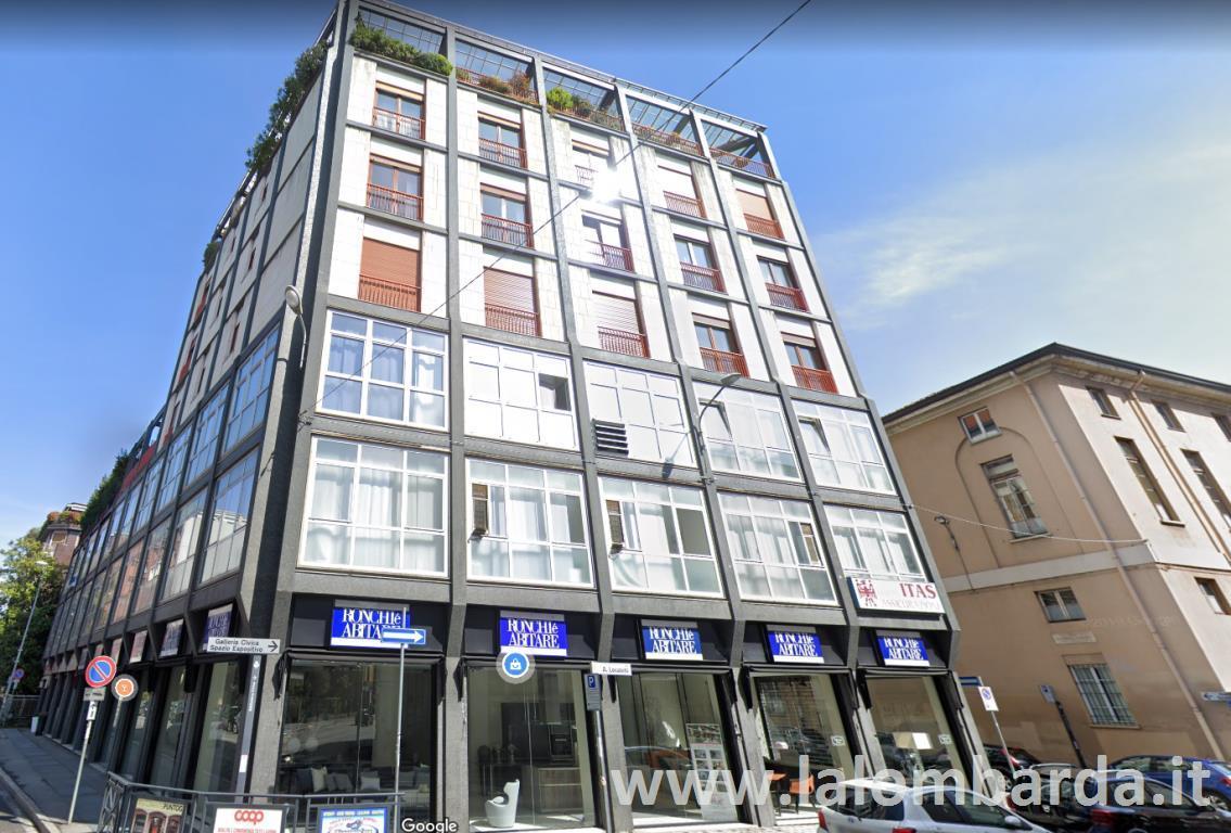 Appartamento in Vendita a Monza: 5 locali, 199 mq