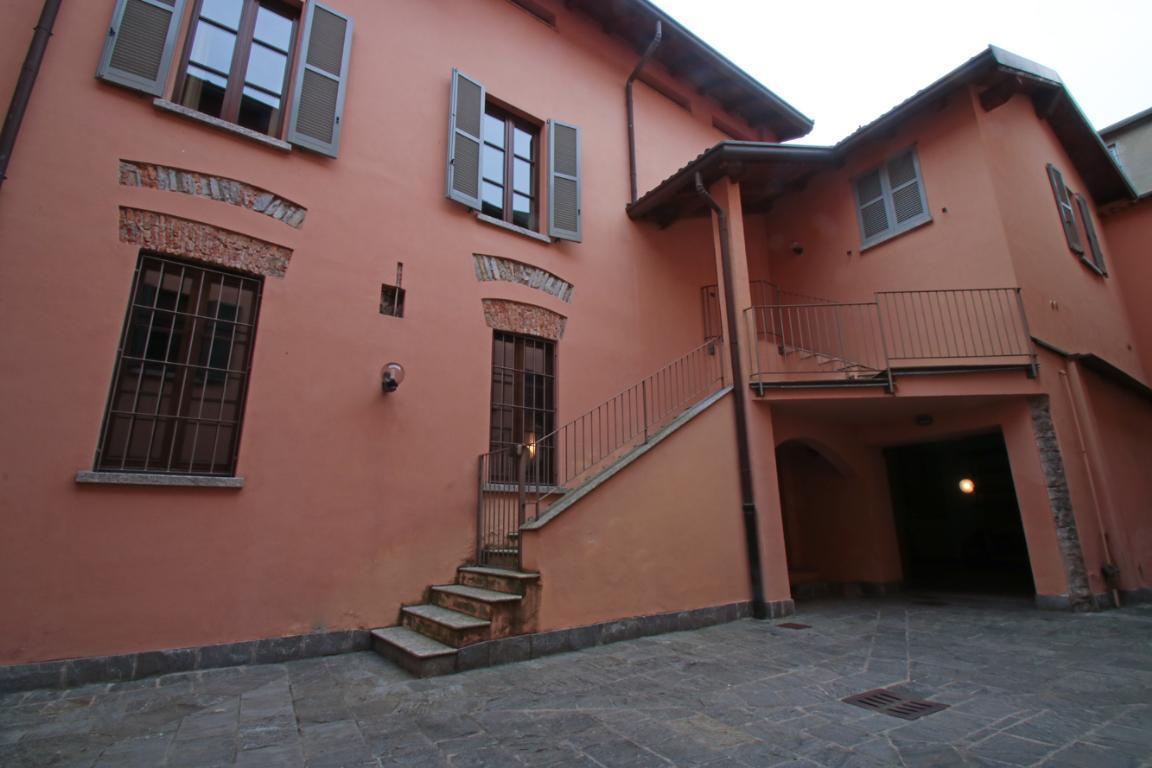 Appartamento in Vendita a Como: 4 locali, 272 mq - Foto 8
