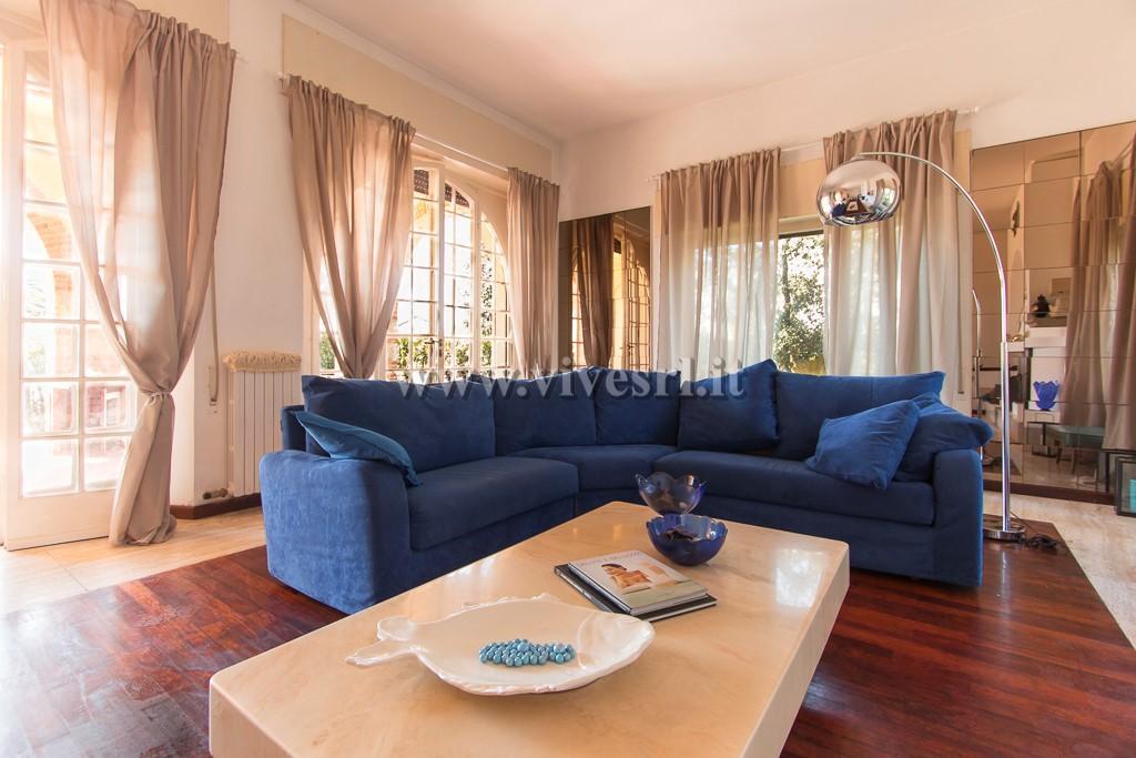 Villa in Affitto a Pietrasanta: 5 locali, 310 mq