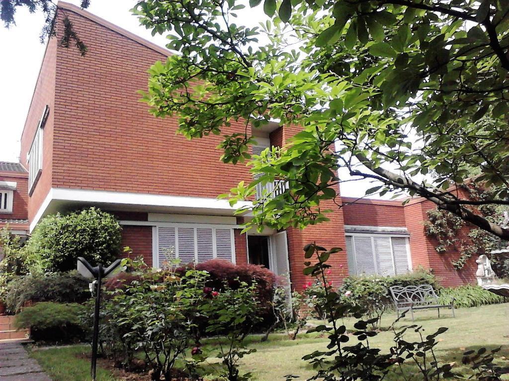 Villa in Affitto a Casatenovo: 5 locali, 500 mq