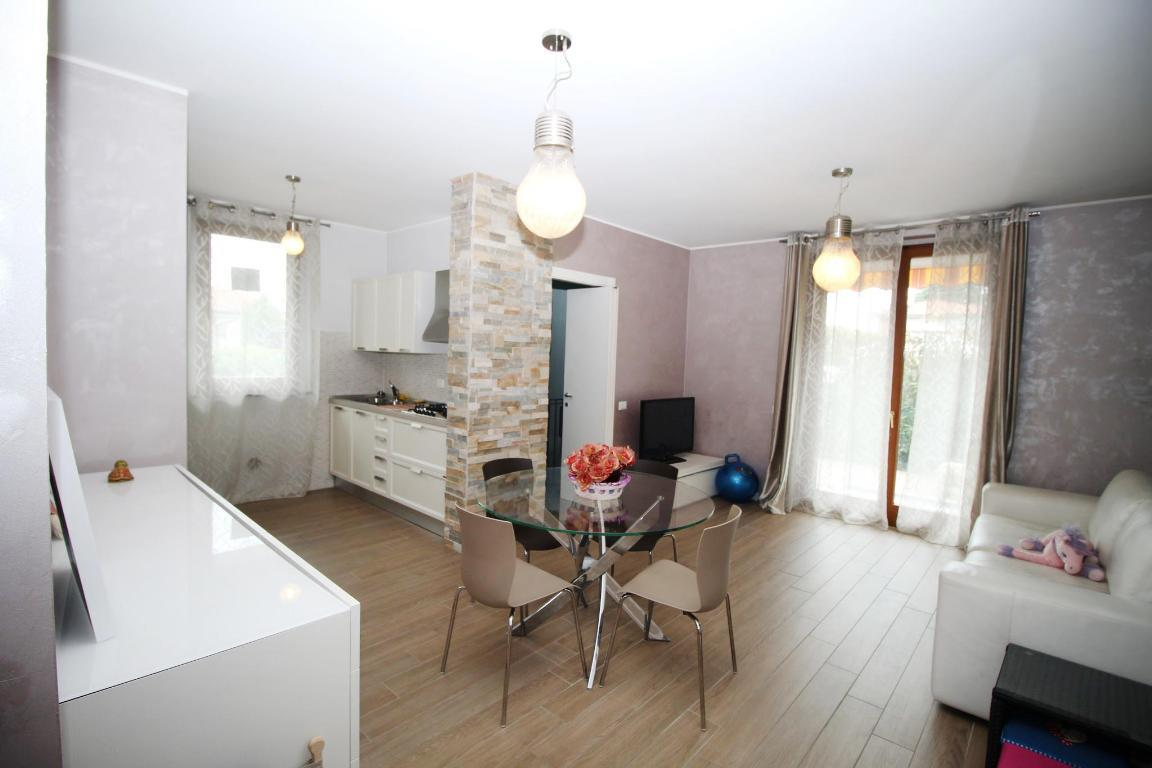 Vendita Trilocale Appartamento Lazzate   207170