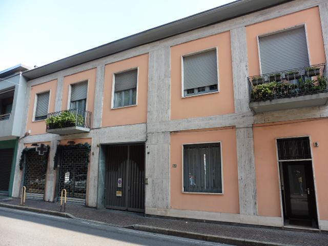 Negozio-locale in Affitto a Monza: 130 mq  - Foto 1